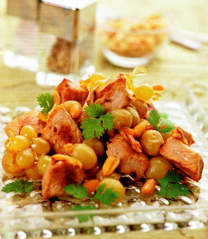 Горячий салат из свинины с виноградом